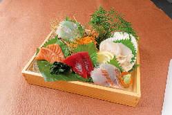新鮮な旬鮮魚の刺し身など食べて頂きたい逸品揃い!
