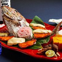 【新鮮食材】 豊洲市場などから厳選した食材を活かして調理