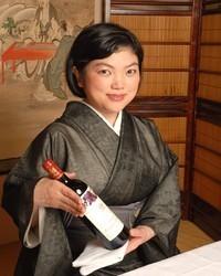 思い出に残るワインをお選び致します。ソムリエ女将 津野塩