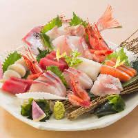 日本酒とともに季節の逸品料理を味わう