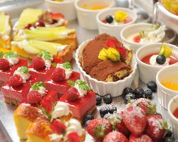 パティシエ特製デザートが、パーティーを彩ります♪