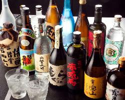 旬の地酒・焼酎も種類豊富に取り揃えております。