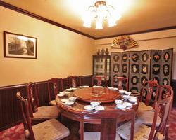 落ち着いた雰囲気の洋間の個室は 接待や記念日にご利用下さい