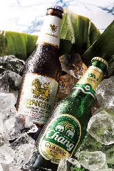 タイだけでなく、世界各地のビールを取り揃えております。