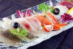 当店名物!本日のカルパッチョ 築地直送の本日の鮮魚!