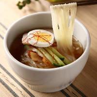 肉以外にもチヂミやビビンバ、冷麺など一品料理も豊富にご用意