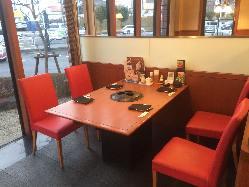 ホールテーブル席
