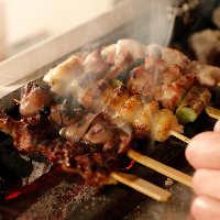 備長炭で炙った自慢の串焼きは旨みがギュッと凝縮されて絶品です