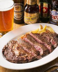 【肉料理】 ビールのお供にどうぞ!ジューシーなステーキは必食