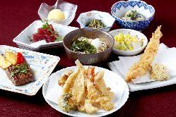 【職人の技を見逃すな!】 カウンター席で天ぷらをどうぞ!