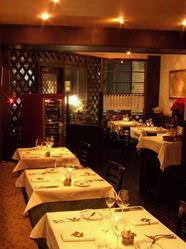落ち着いたディナーは接待や大切な方とのお食事にどうぞ。