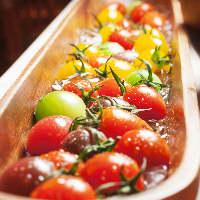 東京では当店でしか味わえない[世界のトマトの宝石箱]も食べ放題