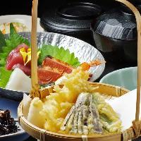 毎日ランチ営業中!定食は780円~ご飯、味噌汁お替り自由