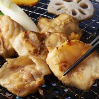 【逸品】熟成ふぐを特製タレで網焼きに。食感をお楽しみ下さい♪