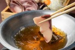 ◆極厚の名物かつおの塩たたきは、他では味わえない至極な味わい