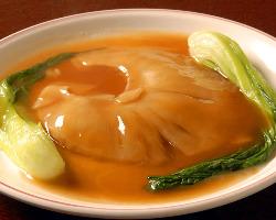 気仙沼産の最高級フカヒレを贅沢に使用した フカヒレの姿煮
