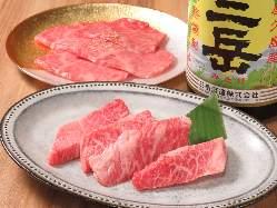 新感覚富士山溶岩プレートで黒毛和牛焼肉