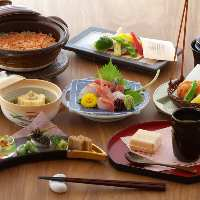 季節が咲く料理が並ぶ懐石コースは 7000円~ご用意しております。