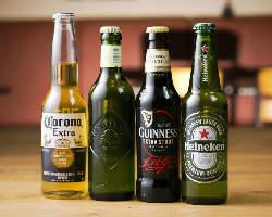 パーティー気分が盛り上がる各種小瓶を多数ご用意