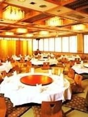 少人数の個室から100名以上の立食パーティーまで可能です。