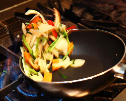 素材の味だけで作り出す絶品韓国料理の数々をご堪能あれ