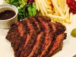 いちばん人気の牛ハラミステーキを御堪能ください♪