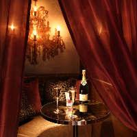 【ラグジュアリー個室】大人の雰囲気が漂うカップルシート