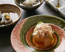素材の味にこだわり抜いた和料理は、繊細で上品な逸品揃いです。