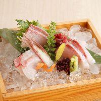 旬の魚介や自慢の炙り焼きを銘酒とともにお召し上がりください♪