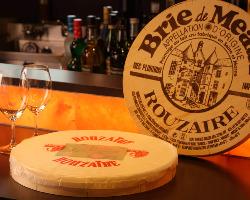 ワインに合うフレッシュ、ハード、ウォッシュ、シェールブルなど14種のチーズ