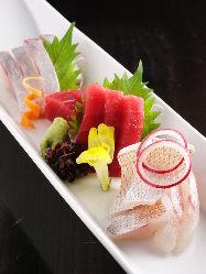 休日夜限定のお得な夜膳は 1,980円からご用意ございます