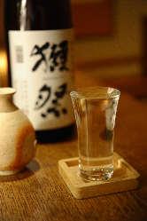 季節によりさまざまな【日本酒】を用意しております!