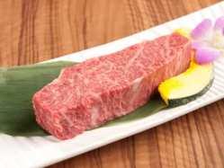 (4)口の中に入れた瞬間に肉汁が溢れる一本カルビ!!