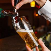 全てのプランに約60種類の飲み放題とウェルカムドリンク付。