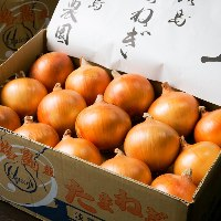 【厳選食材】 大山鶏や淡路島産玉ねぎなどこだわりの食材が多数