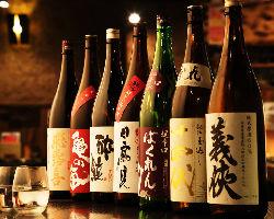 日替わりの日本酒にこだわりの本格焼酎!!お酒を選ぶ楽しさも!
