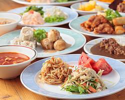 ■フードバー品数豊富! 料理14種類以上が食べ放題♪