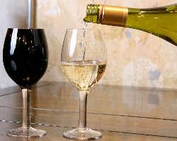 当店の中華料理に合う厳選ワインを 多数取り揃えております!