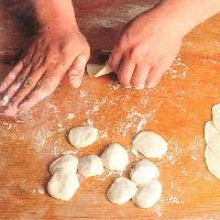 熟練の料理人が厳選食材を生かし絶妙な火加減で腕を振るいます