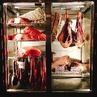 圧巻の熟成庫 40日間熟成させた牛肉は格別な味わいです