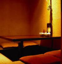 隠れ家風個室。ご家族に、女子会に最適の個室です。