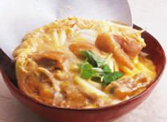 水炊き! 鶏臭さが少なく、ほろりと身がほぐれる柔らかさです