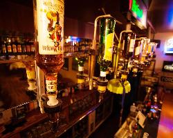 ドリンクはビールで130種、全350種以上のラインナップ!