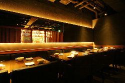 広めのテーブルで、寛ぎながら京料理を愉しめる24名様迄の個室