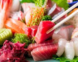 当店おすすめ!リピーターも多い旬鮮魚のお刺身盛り合わせ