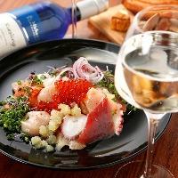 新鮮な魚介を贅沢に使用した「魚介のカルパッショ」