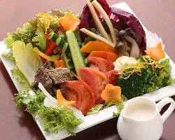【女性にうれしい】 赤身肉はもちろん彩り豊かな野菜メニュー有