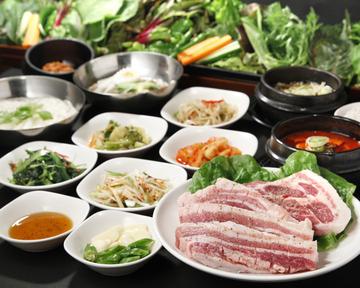 28種の野菜とサムギョプサル食べ放題 やさい村大地 赤坂田町通りの画像