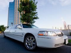 現行モデル・リンカーンタウンカー他社のリムジンとは別物です。