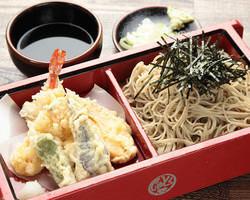 海わ屋天ざる 自家製麺の蕎麦とサクサクの天ぷら